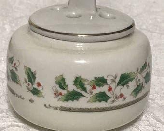Vintage Christmas Oil Ceramic Diffuser Container
