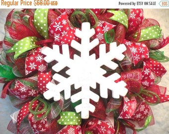 PRE-LABOR DAY Sale Christmas Wreath,Christmas wreaths, Christmas decor, red and green christmas, mesh christmas wreath, bulb wreath, snowfla
