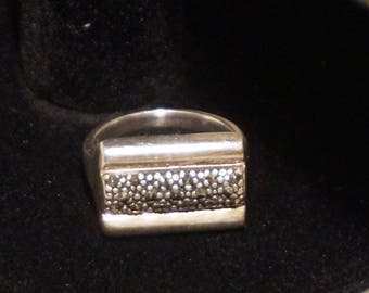 "925 Sterling silver marcasite ring, size 7,5, with 6,49gram, stamped 925 and hallmark ""D"""