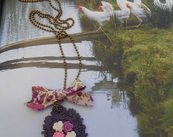 """Necklace """"frame the rose garden"""" resin ribbon pin and cabochon"""