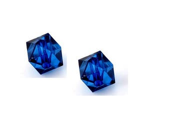 set of 10 blue cubic acrylic beads 10 mm