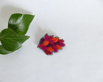 Foliage brooch / jewelry embroidered / motif hand embroidered leaves / pink gold orange red brooch / colorful brooch