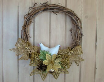 Two Turtle Doves Wreath / 12 Inch / Rustic & Elegant / Natural Vine / Gold Bows / Holiday and Christmas Decor / 2 White Birds
