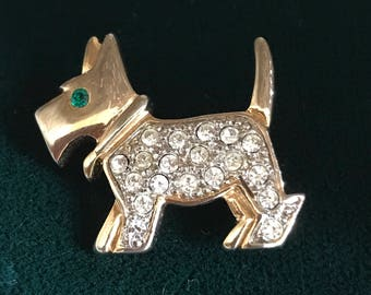 Vintage Small gold tone Rhinestone and Emerald crystal scottie dog Highland Terrier Brooch