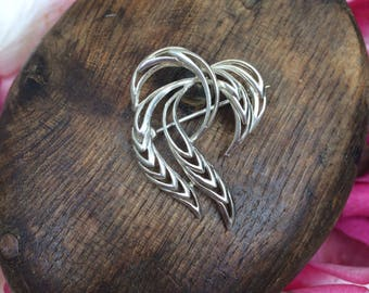 Lovely Organic Form Sterling Silver Brooch-
