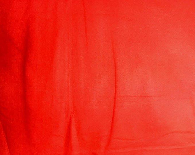 Sold individually, leaf red fine felt 30 x 20 cm