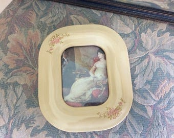 "Vintage Porcelain Picture Frame with Glass, Holds 3""x4"" Picture, Easel Back is Missing"
