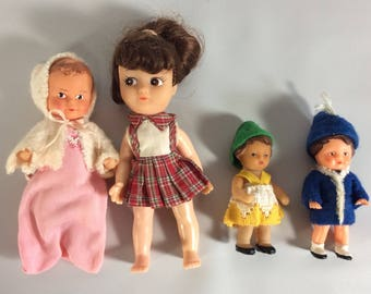 """Doll house Dolls Set of 4 Various Sizes 4"""" and 3"""" Sized Small Dolls Baby Small Rubber Plastic Doll Set Vintage"""