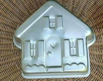 House cake pan vintage 1980s Wilton gingerbread house cake bakeware holiday baking