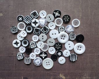 80 buttons round mix of size pattern color black white