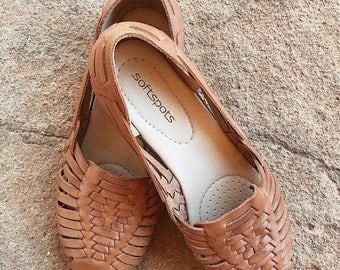 Vintage Tan Leather Sandals • Womens Size 9M