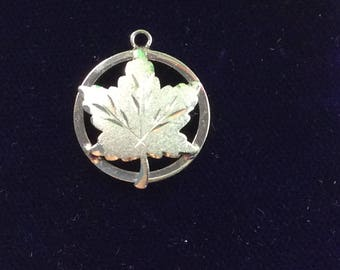 Sterling silver Canada maple leaf charm vintage # 112s