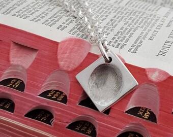 Fingerprint Charm Belcher Bracelet