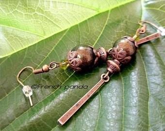 Pair of earrings Bohemian bronze and green.