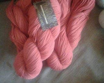 Yarn, crochet yarn, cascade 220
