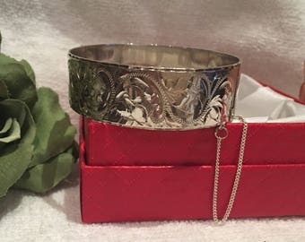 Beautiful Quality Vintage ENGLISH Solid Sterling SILVER Wide Bangle-Beautifully ENGRAVED Front-by Bracelon Ltd - Birmingham 1995-37.69 grams