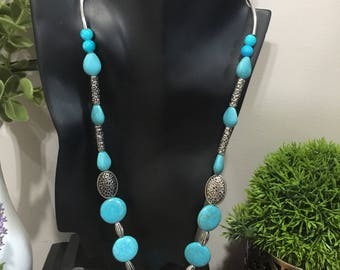Necklace with agate stones and sliver beads with matching earrings