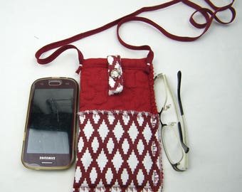 Cover, case for mobile phone or glasses, 2 compartments with shoulder button closure.