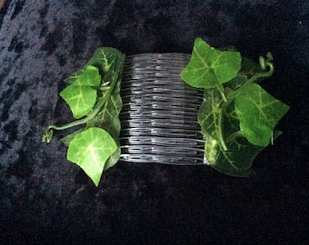 Poison ivy hair slides great to add to poison ivy costume Halloween party's free post ! Uk