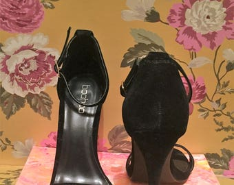 Boo Hoo Black High Heels US Size 5.5