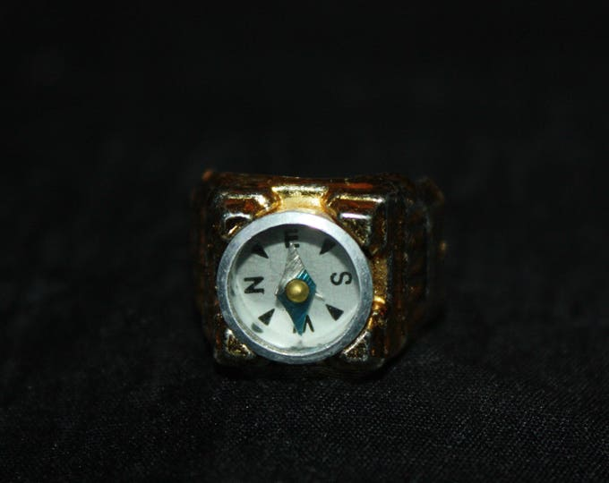 Vintage TOY COMPASS RING Cracker Jack Toy Prize Plastic