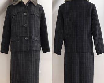 Vintage 1950s Ladies Suit Couture Harris Tweed Faux Mink collar 50s Wiggle Skirt Pristine 14