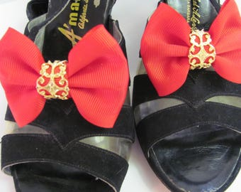MUSI SHOE CLIPS, Fabulous Red Bow Shoe Accessories, Red Shoe Jewelry, Red and Gold Bow Shoe Clips, Fashion Shoe Accessories, Made by Musi