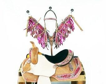 """15"""" Pink Brocade Floral Buck stitched Western Horse Pleasure Trail Barrel Racer Leather Saddle Fringe Bridle Set"""