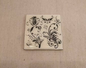 Vintage Compact with mirrors, floral design