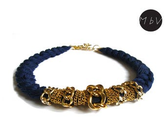 Fashion Jewelry Modern Navy Blue Necklace with Metal Chain and Cotton