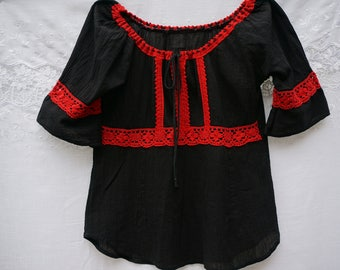 Red/Black Traditional Romanian  Blouse/Traditional Romanian Top/Blouse traditionnelle roumaine/Black cotton/Red Lace