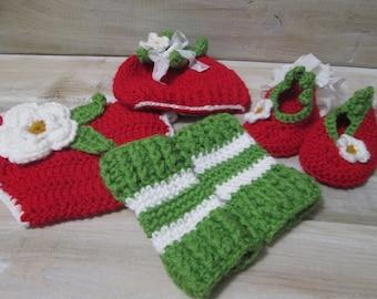 Crochet baby gift set/Crochet strawberry/Strawberry baby crochet/Photo prop/Baby shower gift/Baby gift/Newborn/Crochet newborn/Crochet gift
