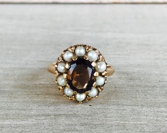 Smokey topaz and pearl vintage ring in yellow gold