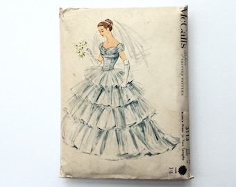 FF 1950s B34 Wedding Dress with Tiered Skirt Sewing Pattern : McCall's 3113