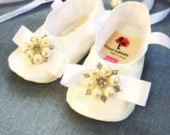 Silk baby girl's christening booties, ivory church shoes, silk dupioni baptism booties, infant baptism shoes, christening shoes, silk shoes