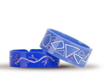 Pair of bracelets handmade engraving, plexiglass hoop