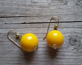 Yellow Lucite Drop Earrings-Vintage Yellow Lucite Dangle Earrings-Bright Yellow Drop Earrings-Vintage Mod Yellow Earrings-Free Shipping