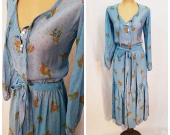 80's Bohemian Dress. Boho Maxi Dress. Feminine Blue Dress.  Floral Long Dress. Long Sleeve Rayon Dress. Size Medium