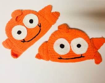 Infant knit fishy hats