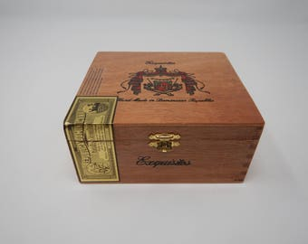 Wooden Cigar Box, A Fuente, Exquisitos, Brown Wood Cigar Box