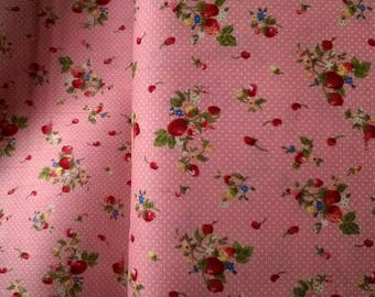 SMALL Strawberry 100% cotton printed pink apricot background width 140cm