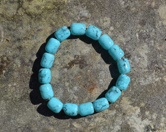 Turquoise glass bead bracelet