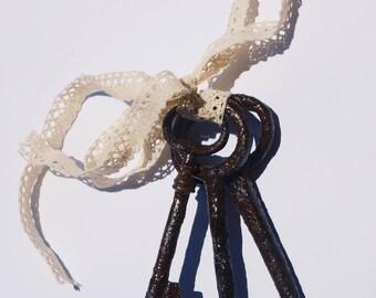 Set of iron old keys / Antique skeleton keys / Large old skeleton keys