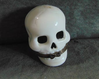 One of the first Midwest of Cannon Falls trinket box's    SKULL