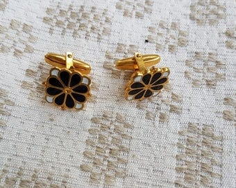 Vintage gold metal plated cufflinks with black white gold flower. Classy, fancy men accessories. Great as gift for someone special.