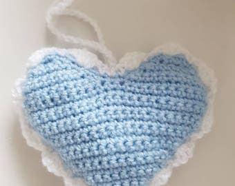 Door hanger/Cabinet pendant in the shape of a heart