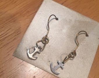 Anchor charm earrings