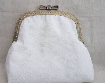 Ivory Lace Bow Clasp Bridal/Prom/Wedding/Evenings Out/Special Occasions Bag/Clutch