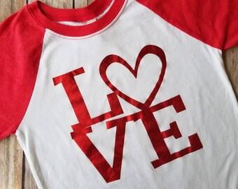 Valentine's day Shirt - Love shirt - Girls valentines day shirt - Red heart shirt-  Valentine's Day raglan - Shiny love design - Red raglan