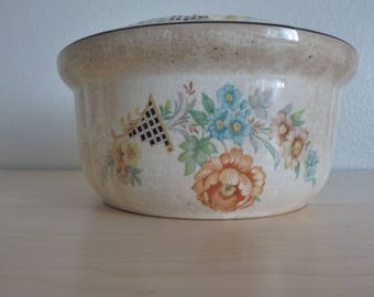 Vintage 1930s Crown Ovenware casserole and pie plate